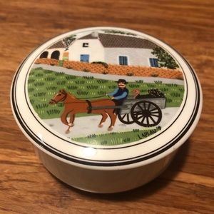 Villeroy & Boch collectible porcelain trinket box.